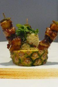 Pinchos con arroz con coco