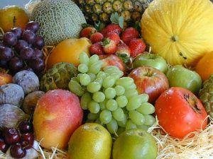 frutas1 300x225 Alimentándonos como Dioses.