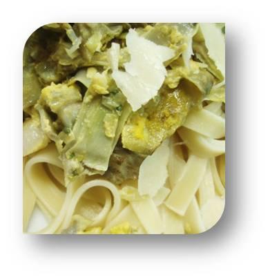 Pasta con alcachofas - Cocinando