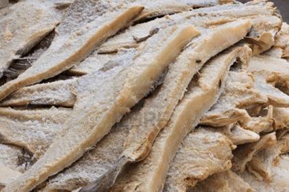 Precio de pescado salado sube a Bs. 500